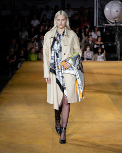 Burberry Spring_Summer 2020 Collection - Look 18