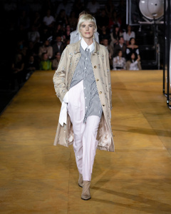 Burberry Spring_Summer 2020 Collection - Look 19