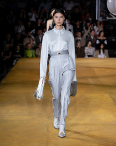 Burberry Spring_Summer 2020 Collection - Look 6