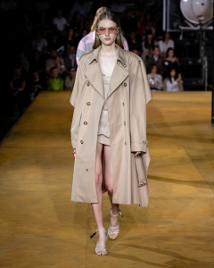 Burberry Spring_Summer 2020 Collection - Look 87