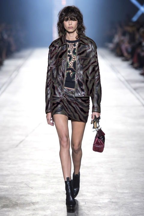 hbz-ss2016-trends-bombers-04-versace-rs16-3410