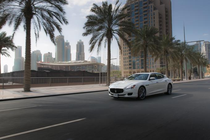 Maserati-Quattroporte-(1)