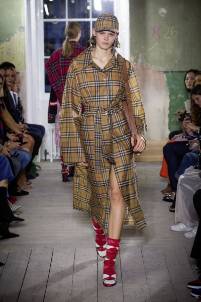 Burberry September 2017 Collection - Look 73