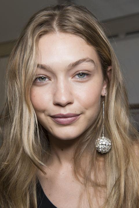 aeworld.com middle east magazine SS18 beauty trends paris fashion week