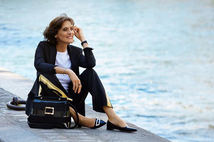 "05c2ed5ef5 INES DE LA FRESSANGE wearing Bag  VIV  CABAS"" Shoes  POINTY BALLERINA"