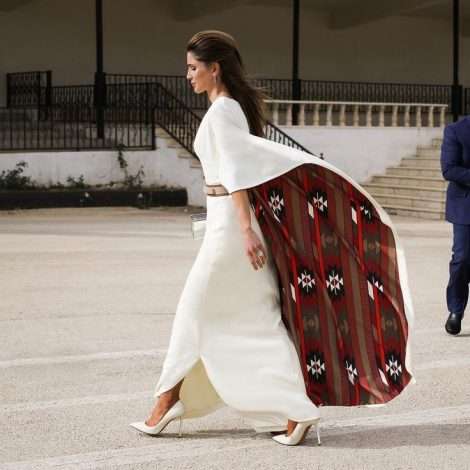 Queen Rania Of Jordan Wore bedouin abaya by Karma Fashion, clutch by L'Afshar