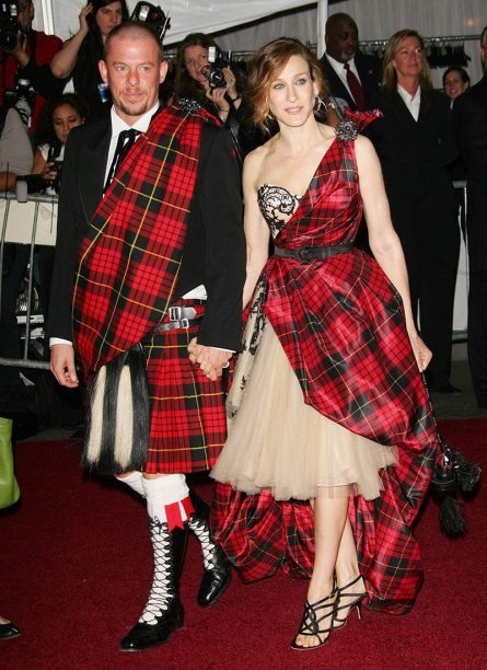 Alexander McQueen and Sarah Jessica Parker in Alexander McQueen, 2006