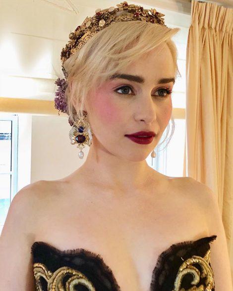 Mother of dragons how to recreate emilia clarkes met gala beauty emilia clarkemetball2018 m4hsunfo