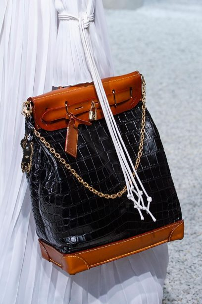 Louis-vuitton-cruise-2019-accessories-grace-8