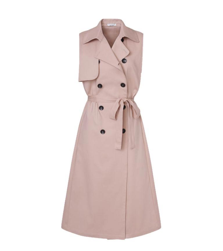 meghan markle london nonie nelson mandela trench coat dress dior mulberry