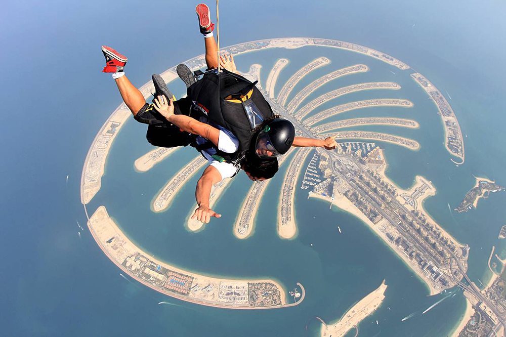 skydive dubai working abroad