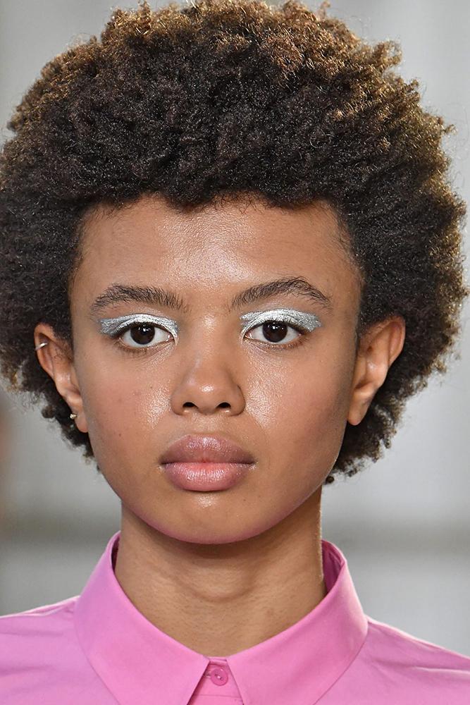 silver eye makeup delpozo