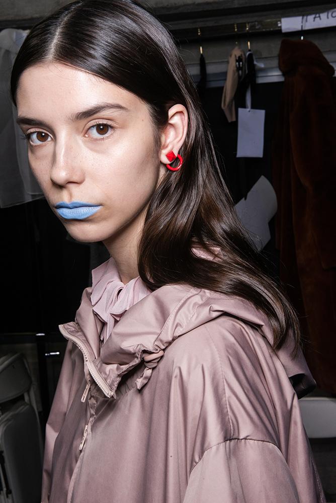 valentino pre fall 2019 tokyo blue lipstick
