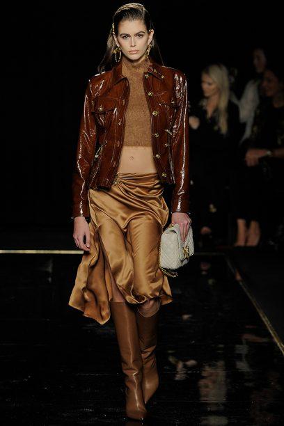Versace_Runway_Runway_00001-pre-fall-2019-new-york-kaia-gerber