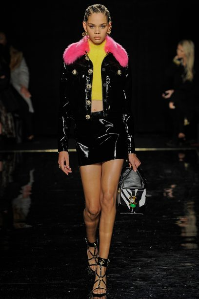 Versace_Runway_Runway_00035-pre-fall-2019-new-york
