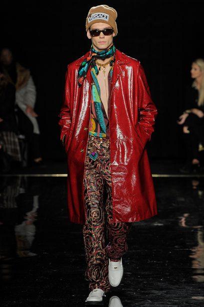 Versace_Runway_Runway_00041-pre-fall-2019-new-york