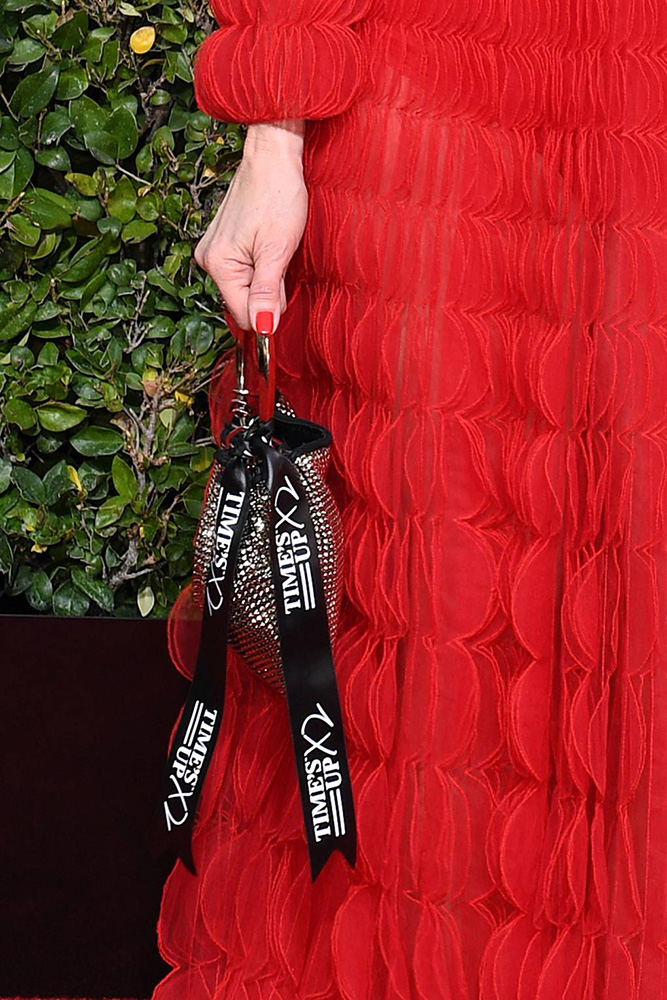 Time's Up x 2 ribbons golden globes 2019