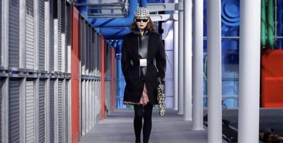 d5d291a026e7 FASHION Louis Vuitton Closes Paris Fashion Week A W19 with a Spectacular  Show