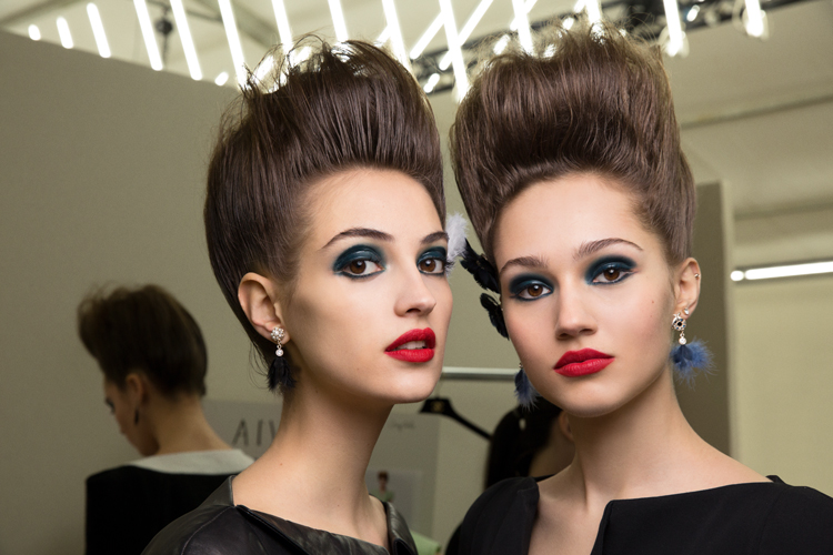 7e955e58b920 SS19 Haute Couture Beauty: From Dior to Chanel, Makeup Takes a Dramatic and  Fantastical Turn
