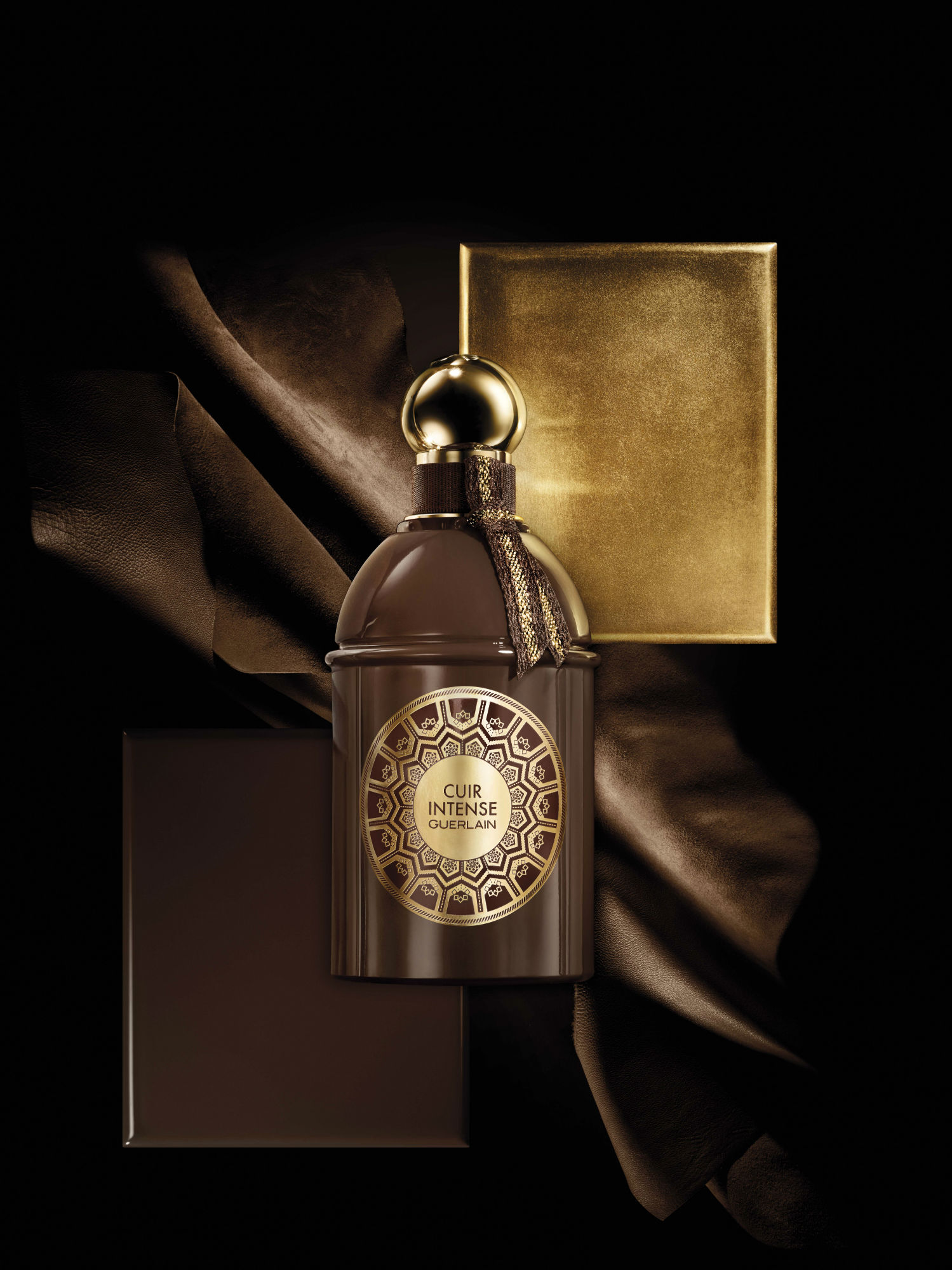 CUIR Intense in the new leather scented perfume from Guerlain