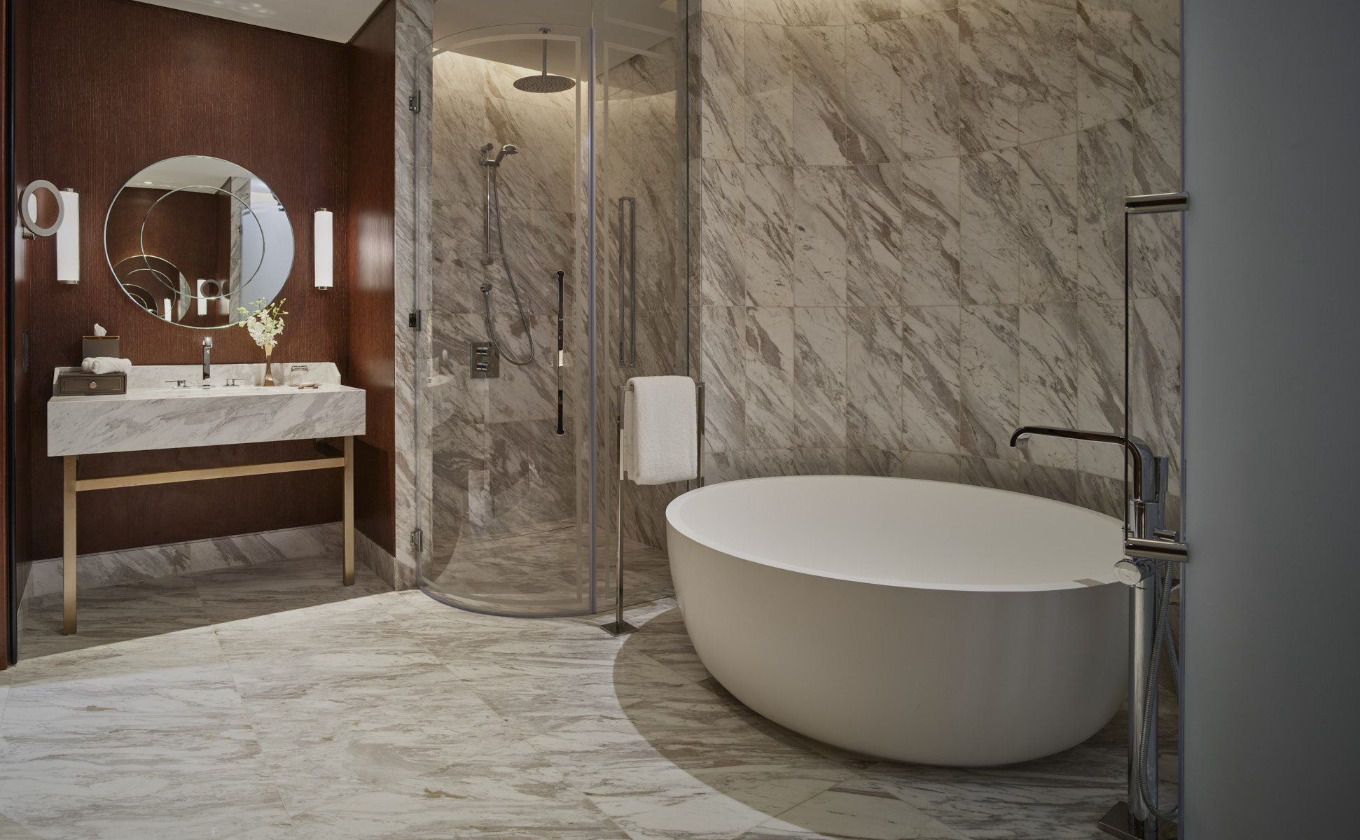 Bathroom Corner Suite, Waldorf Astoria DIFC