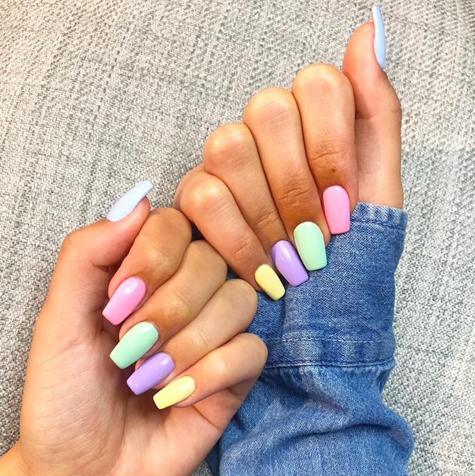 multi coloured pastel nails tht dubai