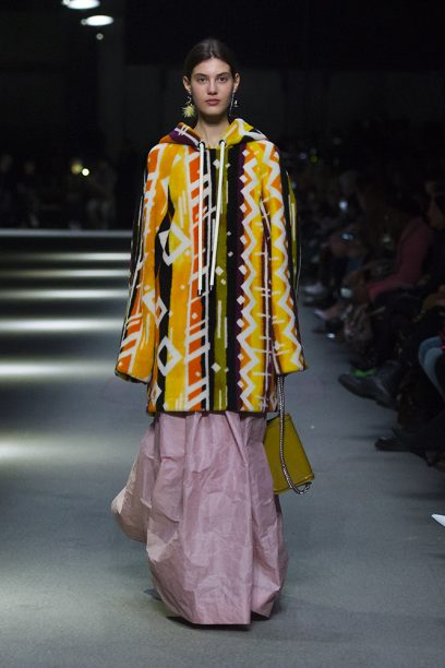 Burberry February Collection 2018 - Look 35_001
