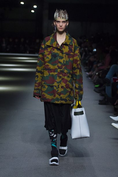 Burberry February Collection 2018 - Look 46_002