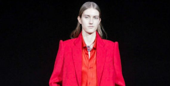 Balenciaga AW19 PFW collection red suit