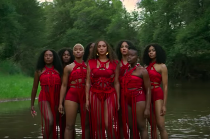 We can't get enough of both Beyoncé's outfits and the choreography in the Spirit music video